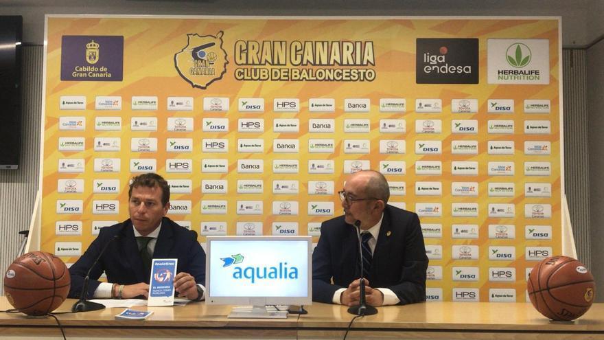 Enrique Moreno y Braulio Domínguez, en la renovación del acuerdo entre el Granca y Aqualia