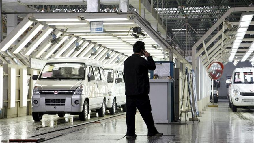 Los pedidos industriales caen el 2,8 % en octubre y las ventas el 2,1 %