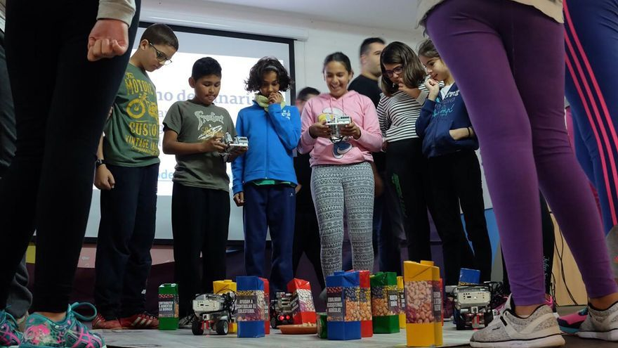 Un grupo de escolares en la actividad 'Ciberlandia'. Foto: Gobierno de Canarias.