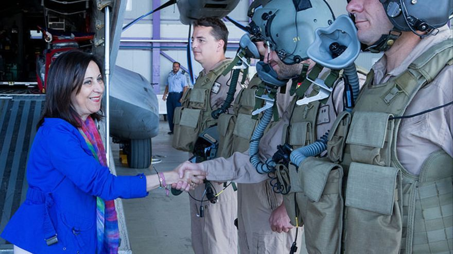 Visita de la ministra de Defensa a la Base Aérea de Getafe
