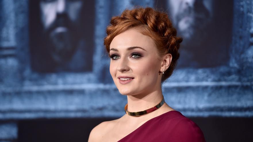 "Sophie Turner denuncia un tuit racista con la imagen de Sansa Stark: ""No me uséis para promoverlo"""