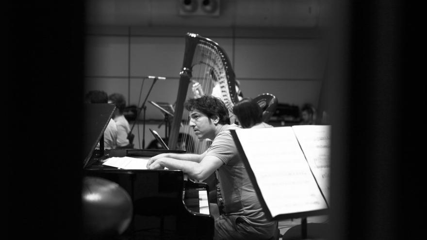 El pianista turco Fazil Say. Fotografía tomada de su web