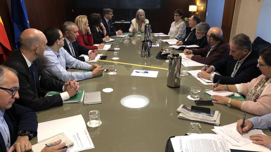 Primera reunión del Consejo andaluz de la Memoria presidido por la consejera Patricia del Pozo.