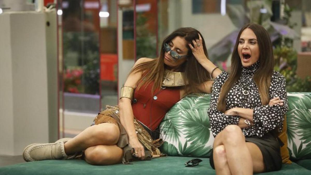 Isabel Rábago y Cynthia en 'Secret Story'