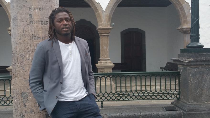 El senegalés Keba Danso es director de cine. Foto: LUZ RODRÍGUEZ.