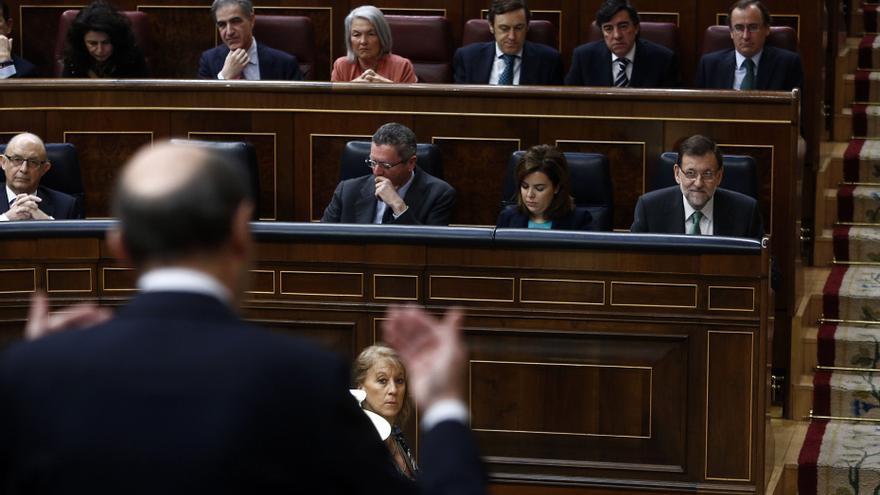 """Rajoy replica a Rubalcaba que """"la medicina que mató la economía española"""" fue la de los socialistas"""