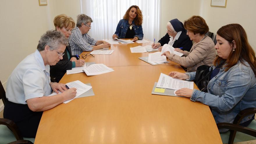 Firma del convenio entre la Corporación insular y los comedores sociales.