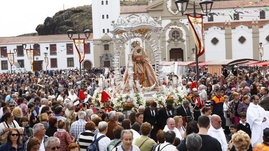 Procesión en la Villa de Candelaria en el día de la patrona