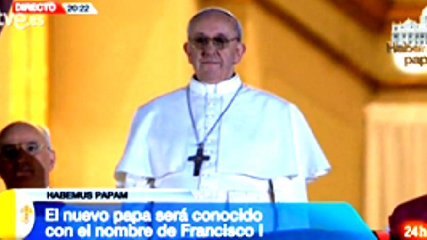"""Fumata blanca en todas las televisiones: """"Habemus Papam"""""""