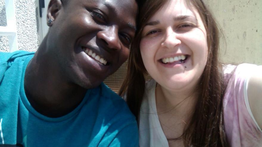Pape y su novia Sheila, actualmente separados tras la deportación del senegalés que llevaba 10 años en España, desde que tenía 14 años/ Imagen cedida