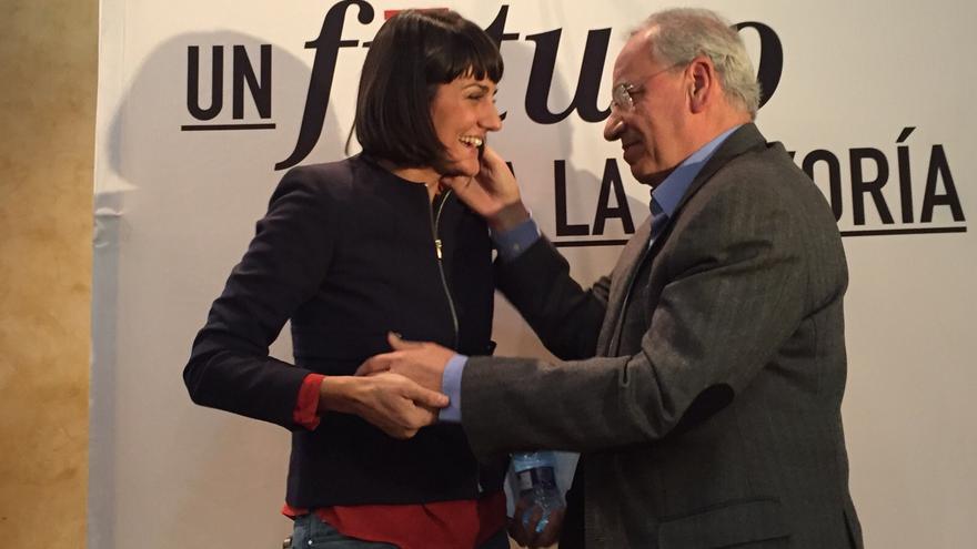María González Veracruz, candidata del PSOE por Murcia, junto a Alfonso Guerra