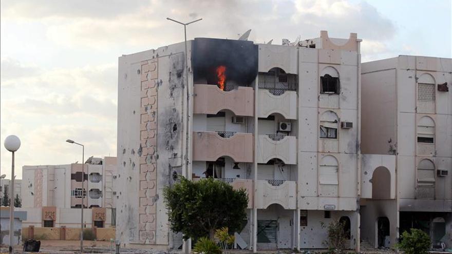 Atentados con bomba contra dos comisarías de Bengasi