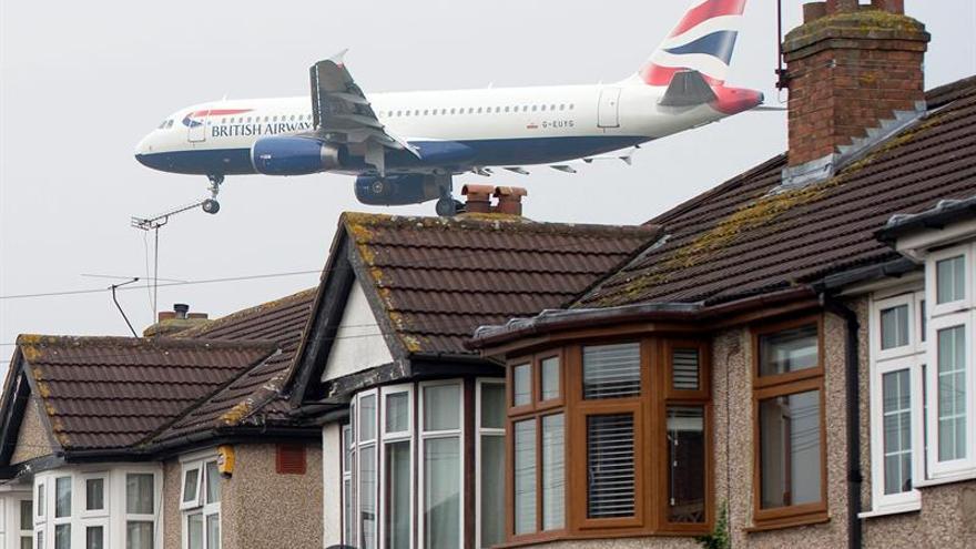 Sindicato negociará para evitar una huelga en los aeropuertos británicos en Navidad