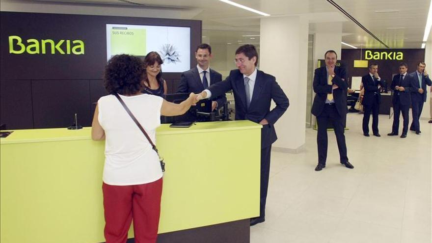 Bankia concede 15.000 millones en créditos en 2013, un 50 por ciento más de lo previsto