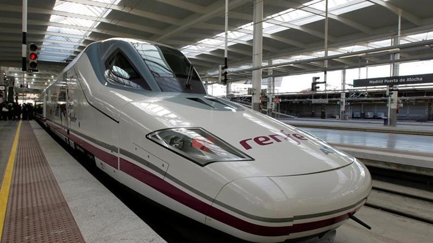 Una avería causa retrasos en la salida de trenes AVE desde Atocha (Madrid)