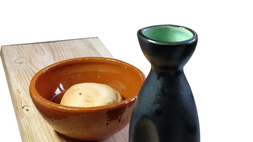 Pincho Medieval de Sigüenza (Guadalajara): ' 'Bocado de gallina especiada regada con caldo de cordero'