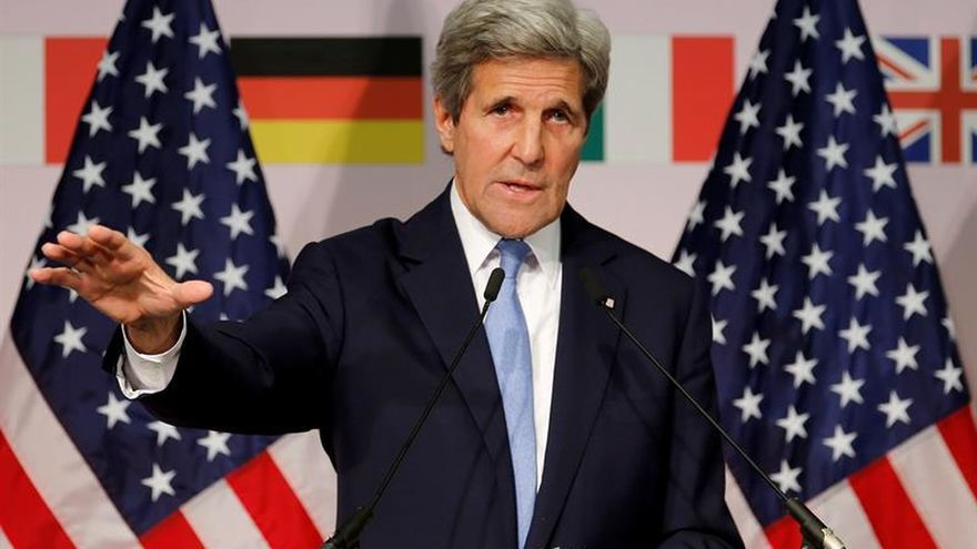 Kerry pide a Rusia el total cumplimiento de Minsk tras liberar a Sávchenko
