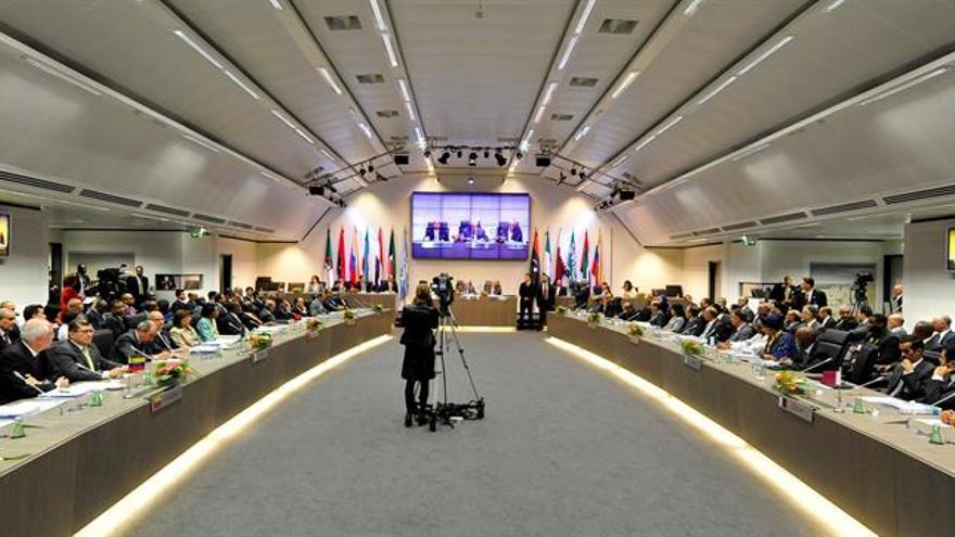 El precio del crudo de la OPEP baja a 45,66 dólares por barril