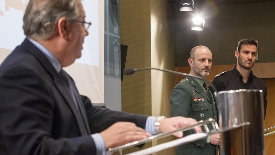 Interior incluye en su decálogo frente ataques terroristas medidas como no fingir estar abatido o alejarse con calma