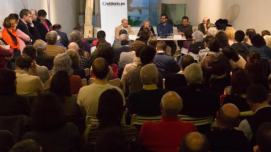 Un momento del debate entre los candidatos a las primarias de Ahora Madrid / Mariano Neyra Rimer