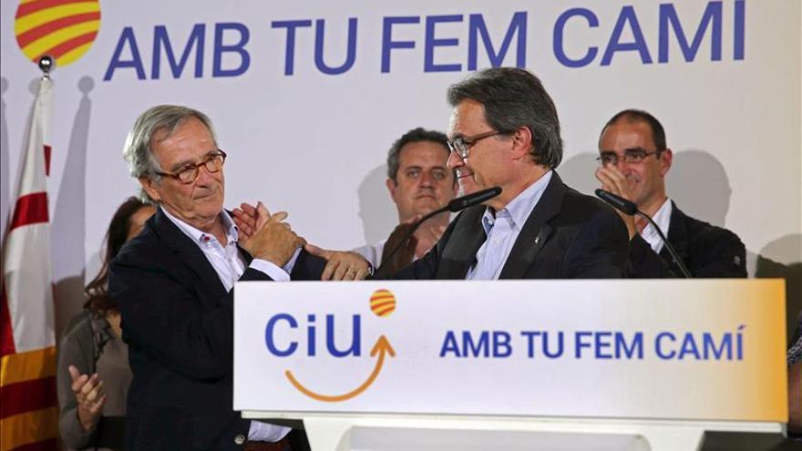 Trias (CiU) felicita a Colau y promete hacer una oposición constructiva