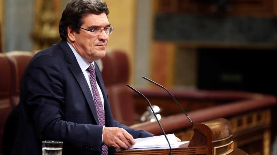 Escrivá pide consenso para subir pensión con IPC como garantía de inclusión