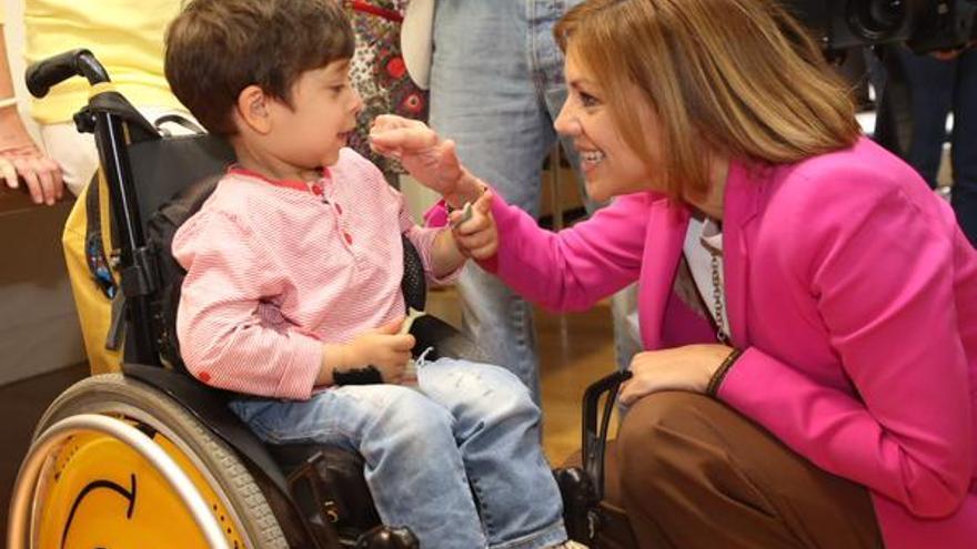 Cospedal en un acto con discapacitados, difundido por ella misma en su campaña electoral