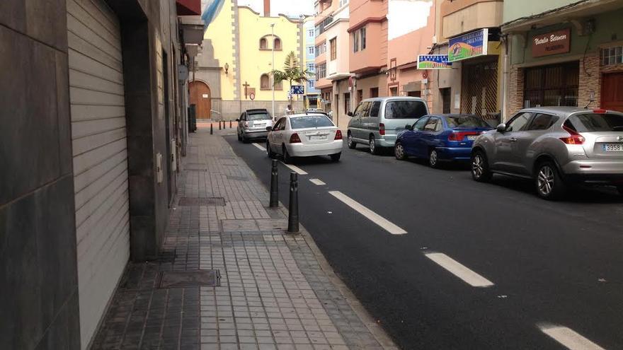 Nuevo carril bici en la calle Secretario Padilla, en el barrio de Guanarteme en Las Palmas de Gran Canaria.