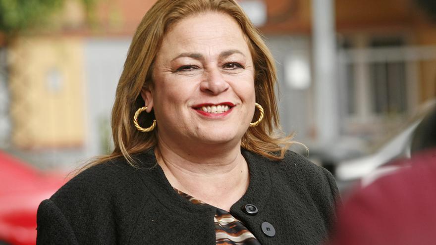 La alcaldesa de Telde, María del Carmen Castellano, en las puertas del Juzgado de Telde. FOTO: Alejandro Ramos