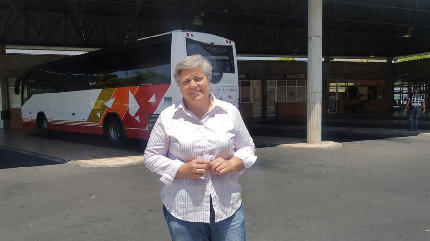 Noelia García Leal junto a la Estación de Guaguas.