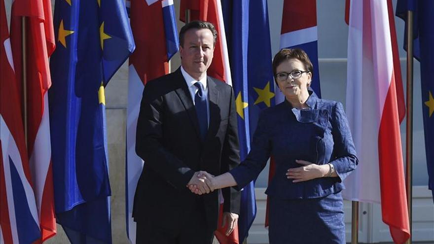 """Polonia ve """"muy difícil"""" aceptar las reformas europeas que propone Londres"""