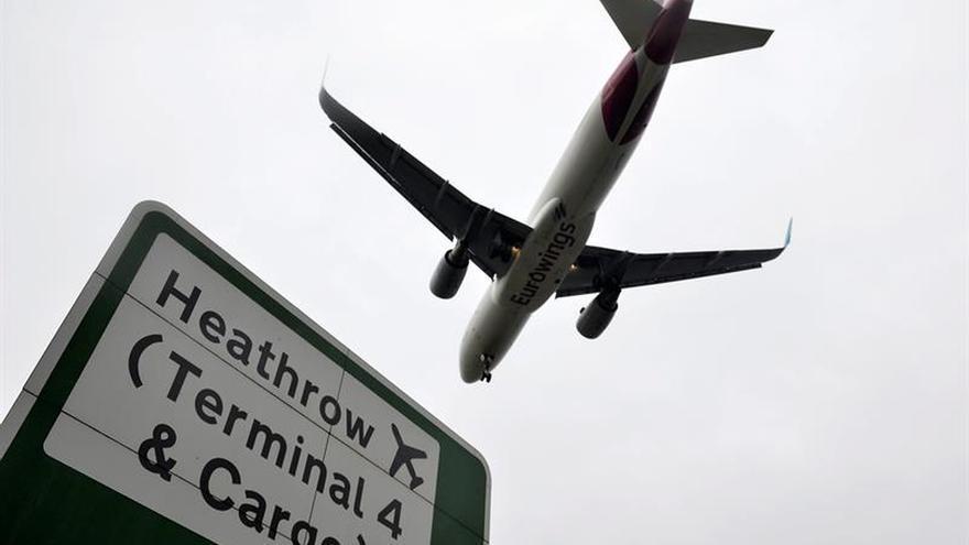 Personal de 18 aeropuertos británicos hará huelga el 23 y 24 de diciembre