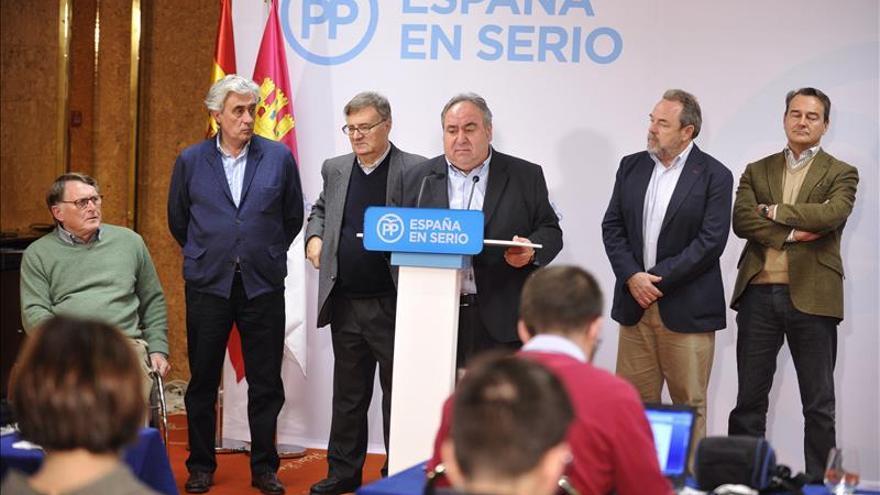 El PP se mantiene como primera fuerza, pero se rompe el bipartidismo en Castilla-La Mancha