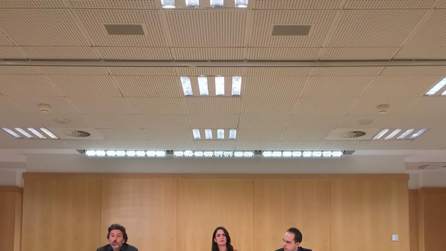 Mauricio Valiente, Rita Maestre y José Manuel Calvo durante la rueda de prensa posterior a Junta de Gobierno
