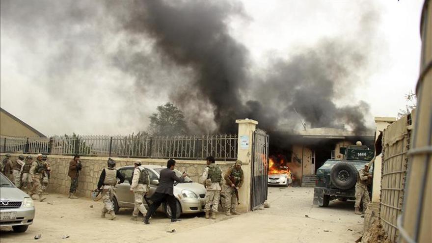 Diez muertos y 23 heridos en un ataque suicida en Afganistán