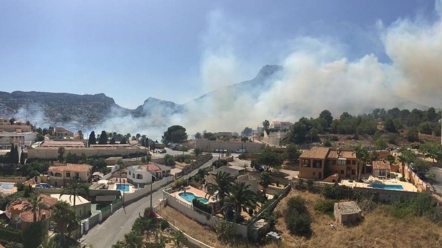 Incendio en la localidad alicantina de Calp