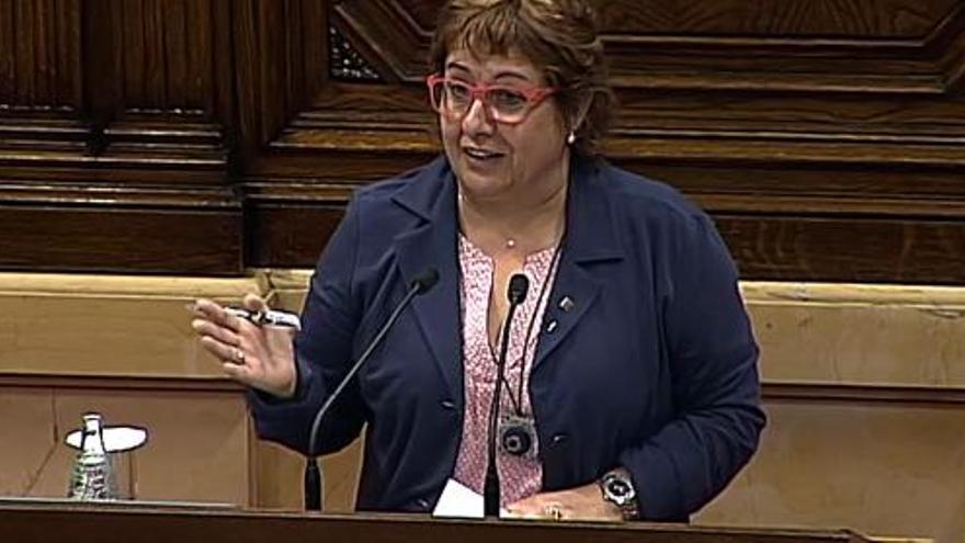 Dolors Bassa en una intervención al Parlament de Ccatalunya