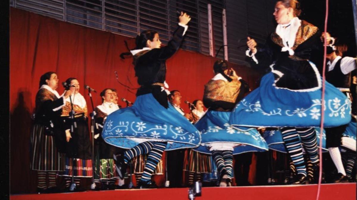 Grupo Coros y Danzas María José Melero