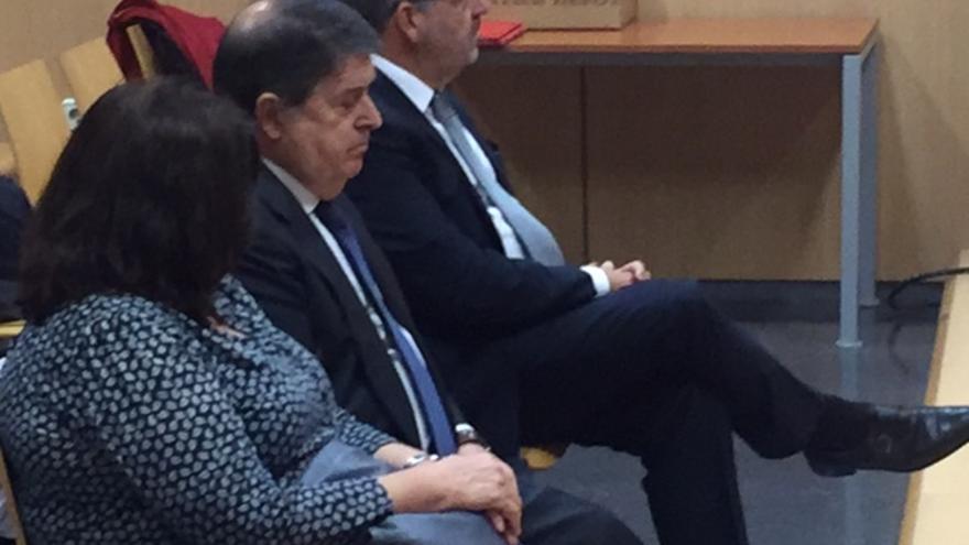 El expresident de la Generalitat y expresidente de Bancaja, José Luis Olivas, en el banquillo de los acusados