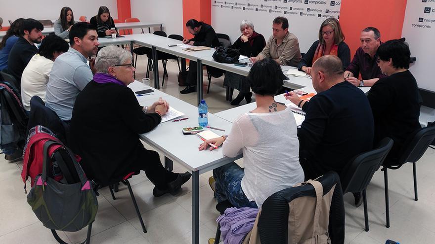 Un momento de la reunión entre los representantes de Compromís, Podemos y Esquerra Unida en Valencia