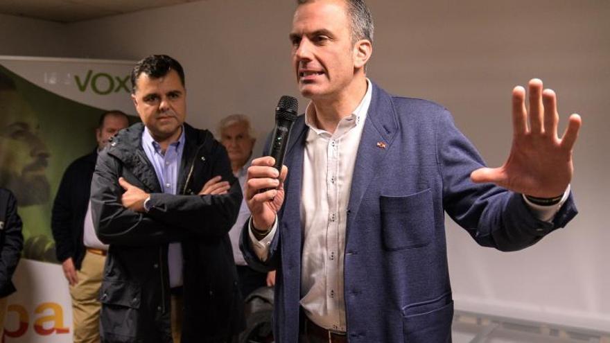 Ortega Smith se opone a negociar con Sánchez para ser el dique de contención