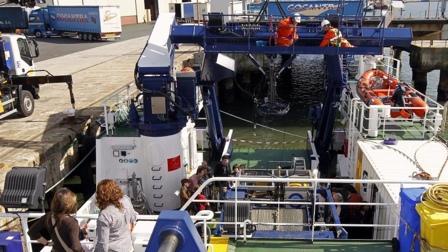 Un buque del Instituto Español de Oceanografía en Santander. EFE