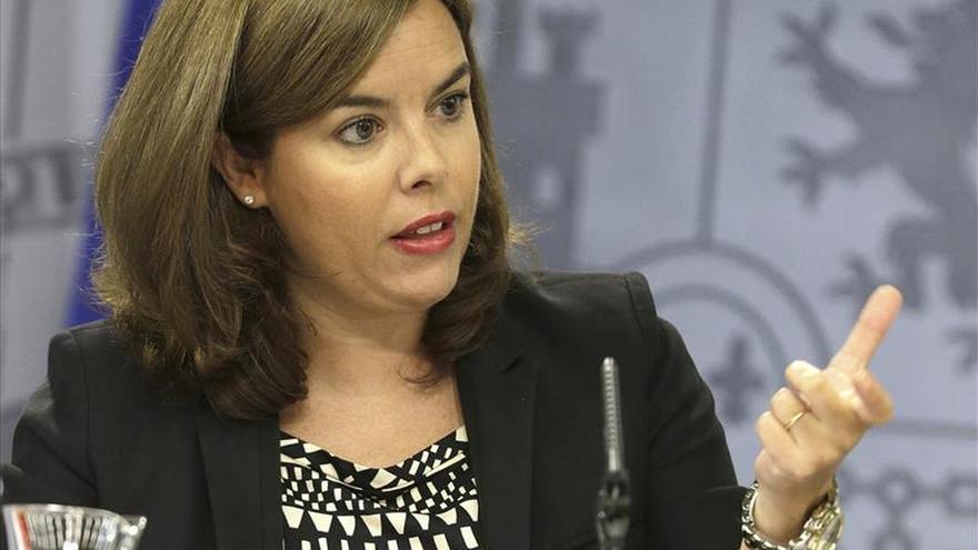 El Gobierno responde en el Senado sobre la reforma del TC y la crisis de los refugiados sirios