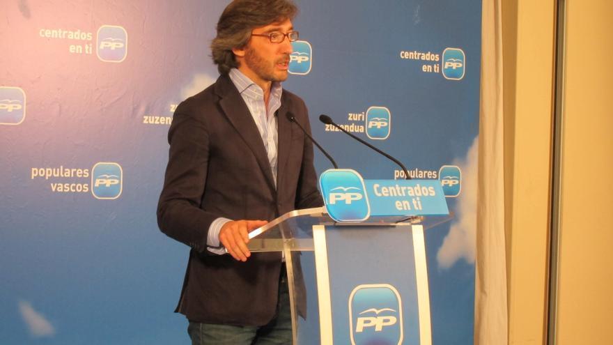 """PP dice que Urkullu se """"disfraza de moderado"""" porque """"hay una parte de su electorado que no quiere romper con España"""""""