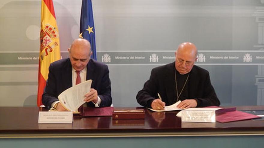 Fernández-Díaz avisó a la Conferencia Episcopal de la retirada del anteproyecto de ley del aborto.