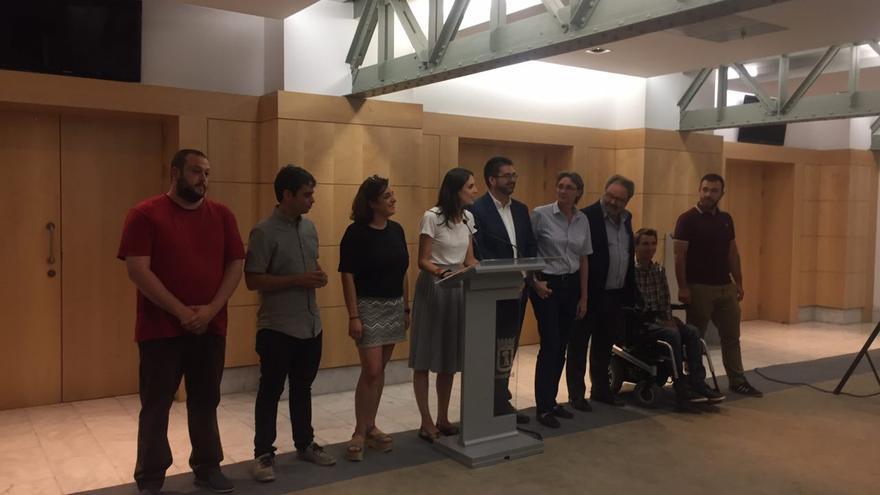 Los concejales Guillermo Zapata, Jorge García Castaño, Celia Mayer, Rita Maestre, Carlos Sánchez Mato, Marta Higueras, Javier Barbero, Pablo Soto y Nacho Murgui.