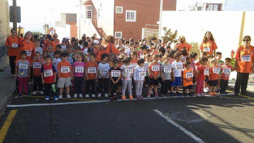 En la imagen, los niños y profesores que participaron en la 'Transtagoja'.