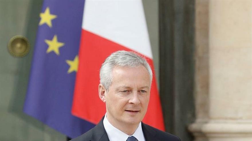 """Medidas para calmar a los """"chalecos amarillos"""" cuestan 17.000 millones euros"""