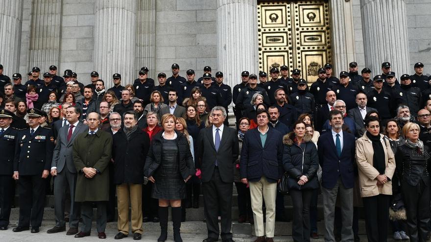 Los policías del Congreso se suman al homenaje de la Cámara a sus compañeros asesinados en Kabul