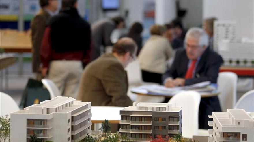 La compra de viviendas se dispara el 20,7 % en septiembre, según los notarios